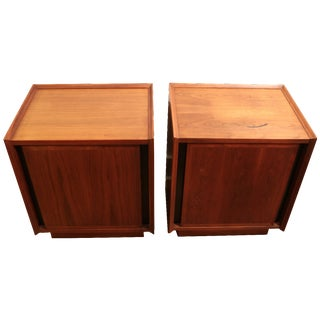 1960s Dillingham Nightstands - A Pair