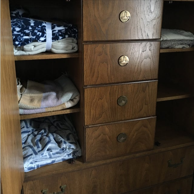 Huntley by Thomasville Campaign Bachelor Chest - Image 7 of 11