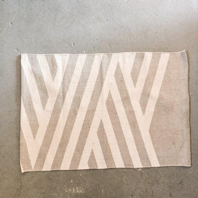 "Minimal Gray Cotton Screen Print Rug - 3'2"" x 2' - Image 2 of 5"
