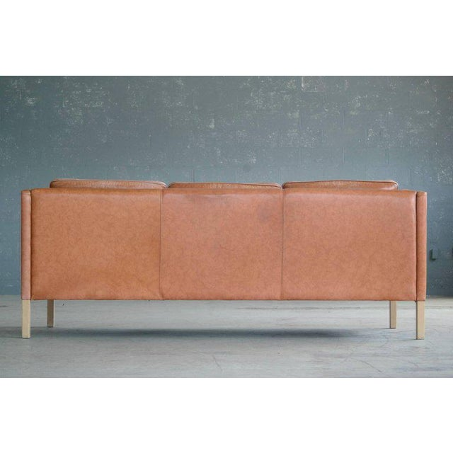 Børge Mogensen Style Sofa Model 2213 in Light Cognac Leather by Stouby Mobler - Image 9 of 10