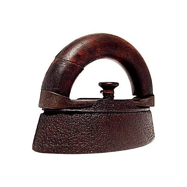 AC Williams Co. Antique Sad Iron - Image 2 of 6