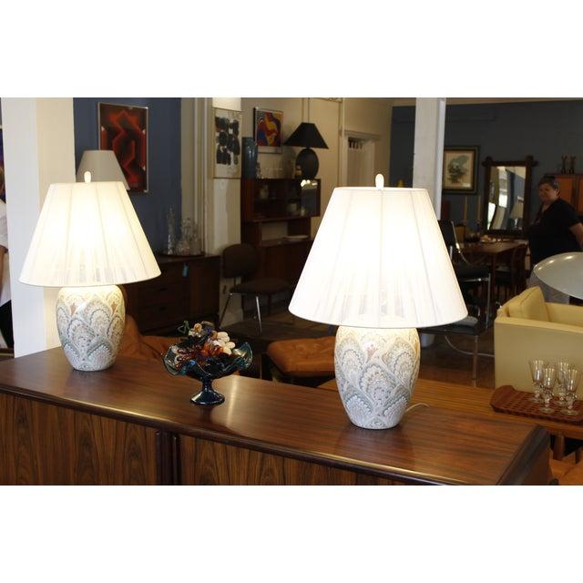 Vintage Pastel Marbleized Ceramic Lamps - A Pair - Image 6 of 8