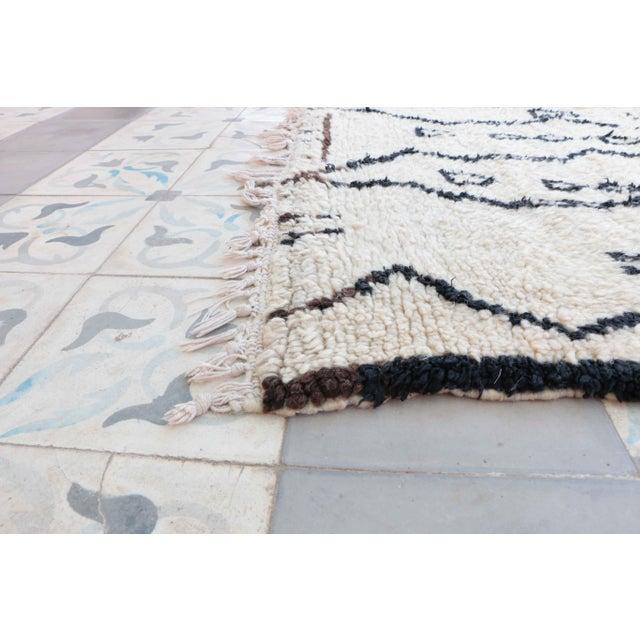 Vintage Azilal Moroccan Rug 5 6 Quot X 8 6 Quot Feet 169 X 260