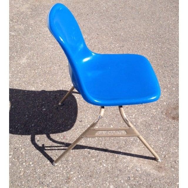 Image of Mid-Century Krueger Blue Fiberglass Chairs - 4