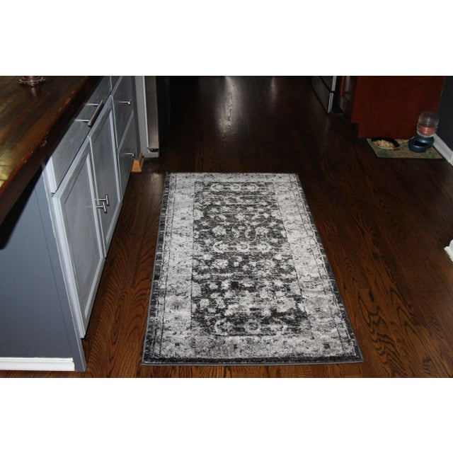 "Distressed Vintage Gray Rug - 2'8"" x 5' - Image 4 of 7"