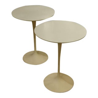 Vintage Eero Saarinen for Knoll Round Side Tables - a Pair