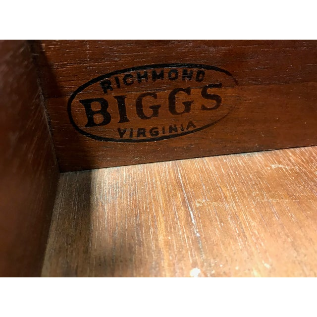 BIGGS Mahogany Queen Anne Low Boy Dresser Chest - Image 5 of 11