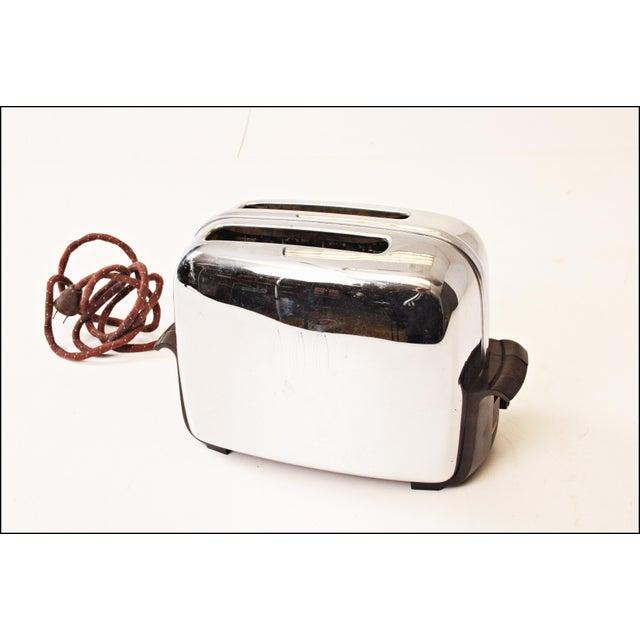 Vintage Chrome Toastmaster Toaster with Bakelite Handles - Image 2 of 10