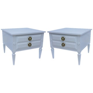 Mid-Century White Lacquered Nightstands - Pair