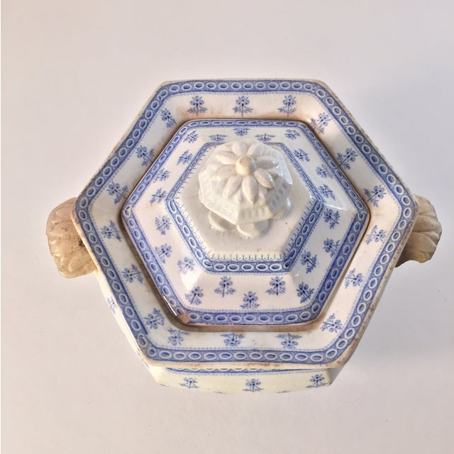 Antique Porcelain Blue Staffordshire Sugar Dish - Image 3 of 4