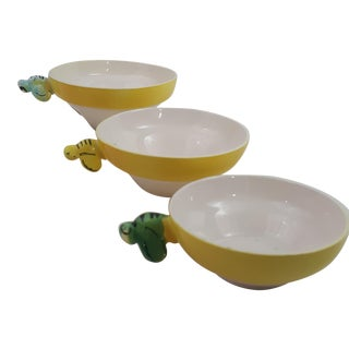 Stacking Bumble Bee Measuring Cups - Set of 3
