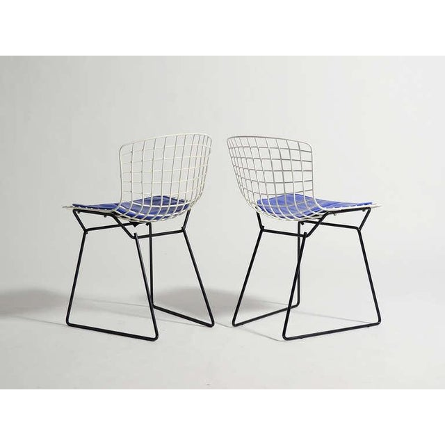 Pair of Bertoia child's chairs by Knoll - Image 6 of 9