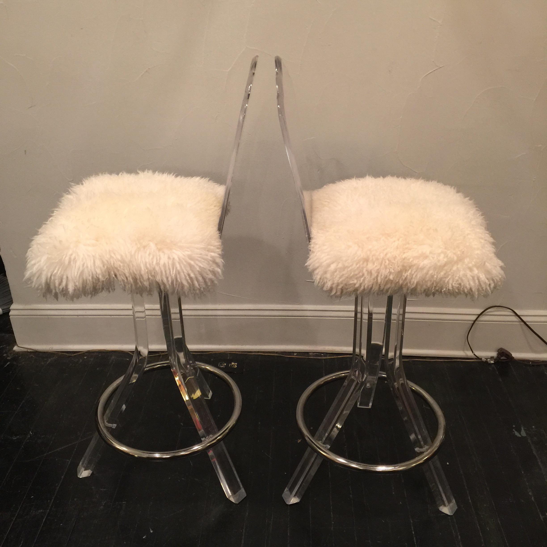Lucite Swivel Bar Stool With Sheep Skin Fur Pair Chairish : lucite swivel bar stool with sheep skin fur pair 8878aspectfitampwidth640ampheight640 from www.chairish.com size 640 x 640 jpeg 38kB