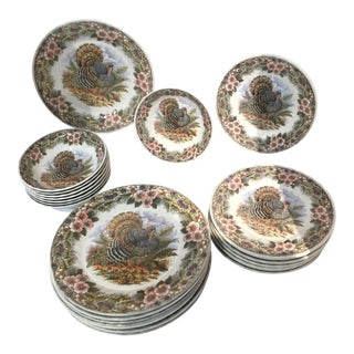 Queen's Thanksgiving Scene Plates - Set of 8
