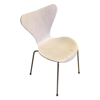 Arne Jacobsen & Fritz Hansen Series 7 White Chair