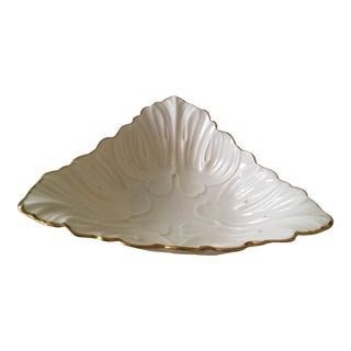 Lenox Triad Triangular Cream Leaf Patter