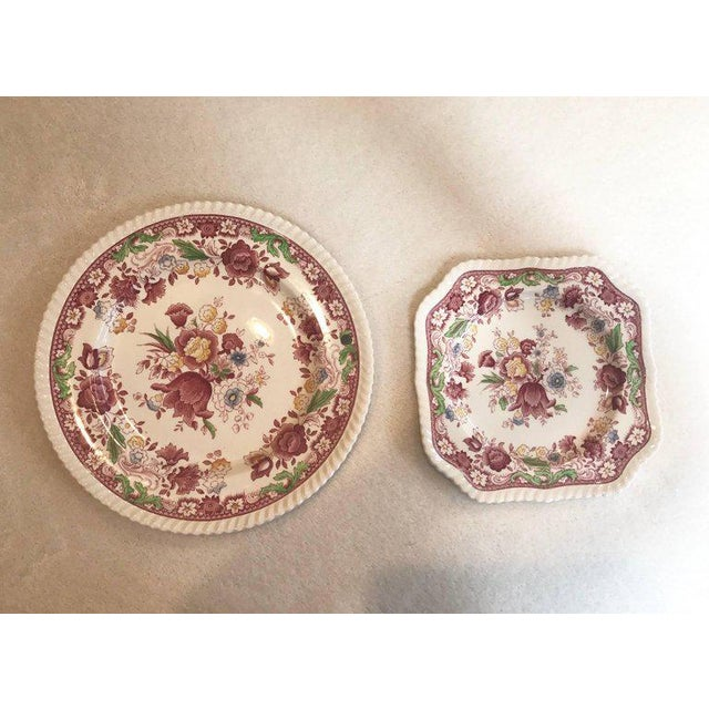 Winchester Johnson Bros China Set - Service for 12 - Image 7 of 9
