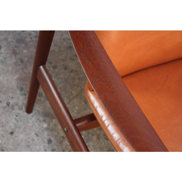 Fredrik Kayser Loveseat in Leather and Teak - Image 10 of 11