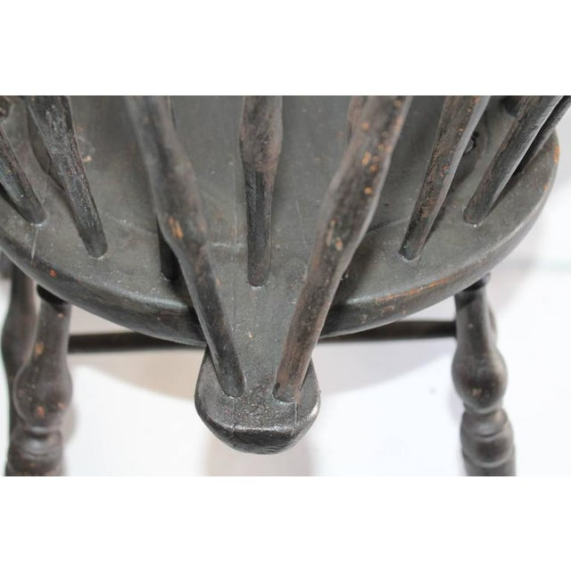 Set of Four 18th Century Black Painted Brace Back Windsor Chairs - Image 6 of 10