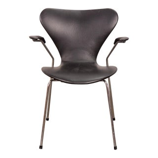 Arne Jacobsen Series 7 Black Leather Armchair
