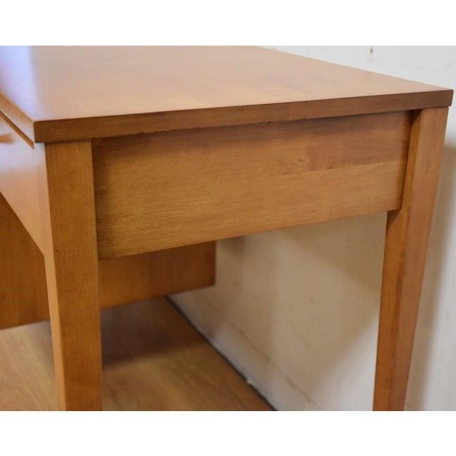 Paul McCobb Planner Group Maple Desk - Image 4 of 10