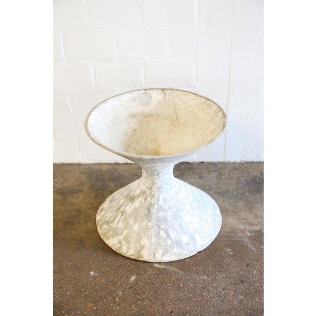 White Hourglass Planter - Image 2 of 6
