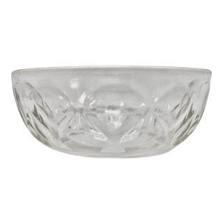Pyrex Tear Drop Serving Bowl, Medium