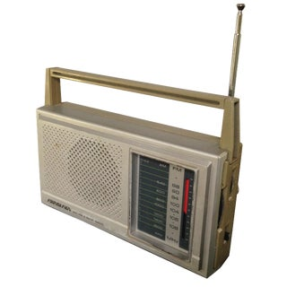 Vintage Soundesign AM/FM Radio