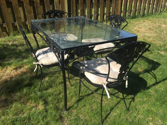 Vintage Woodard Wrought Iron Patio Set  Pomegranate Pattern  Table U0026 4  Chairs   Image