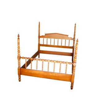 Full Size Maple Finish Rustic Spindle Four Poster Bed