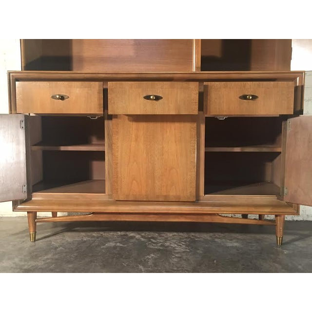 Mid-Century Modern China Cabinet by Kroehler - Image 6 of 9