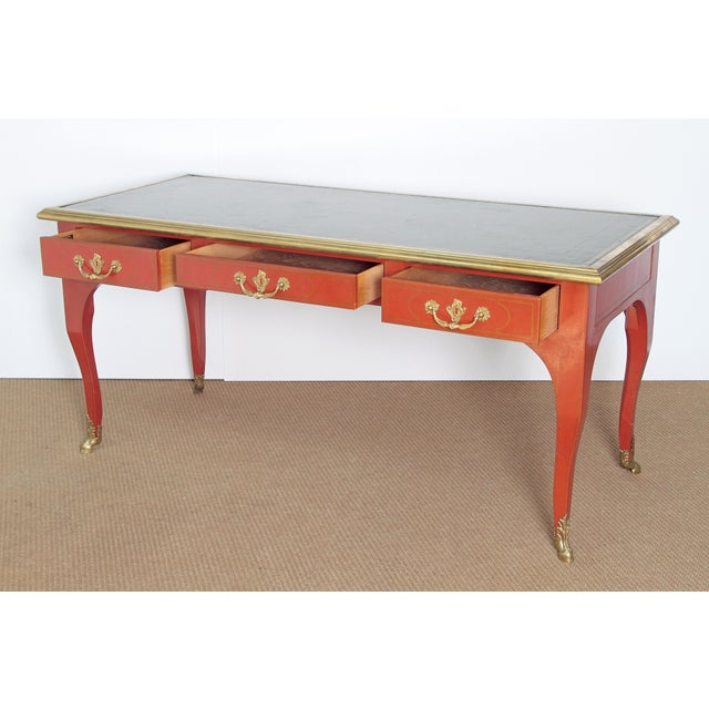 BAKER & COMPANY COLLECTORS EDITION LOUIS XV STYLE PAINTED BUREAU PLAT - Image 6 of 10