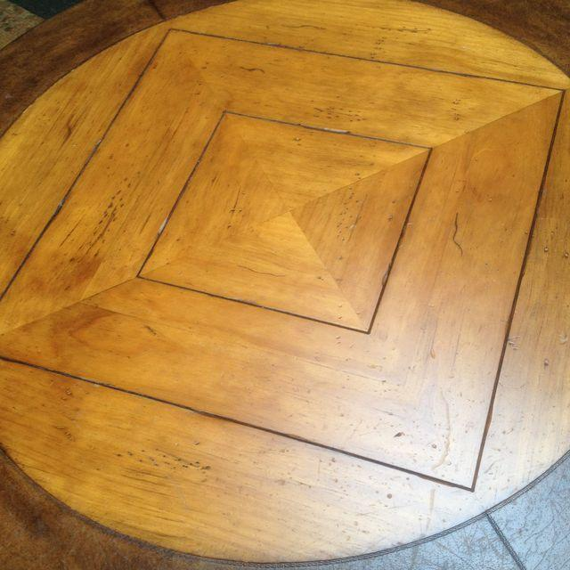 Henredon Highlands Leather Top Round End Table - Image 10 of 10