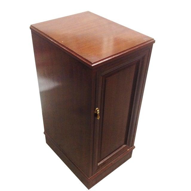 Image of Mahogany Speaker Cabinets - Pair