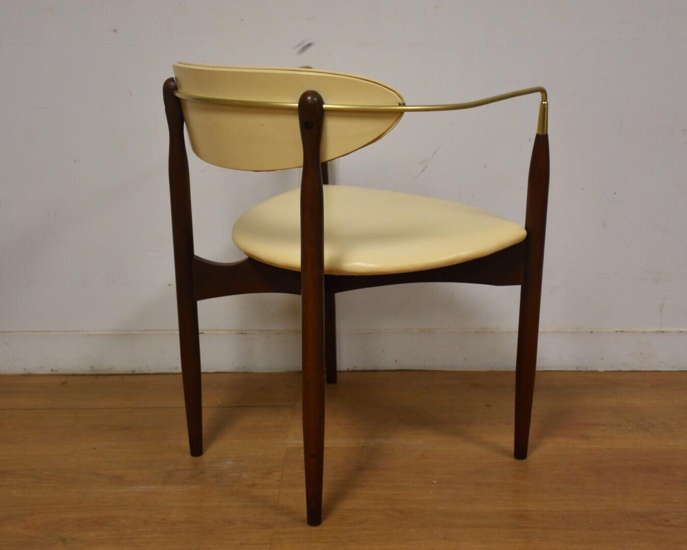 Dan Johnson Beechwood and Off-White Vinyl Viscount Chair - Image 7 of 10