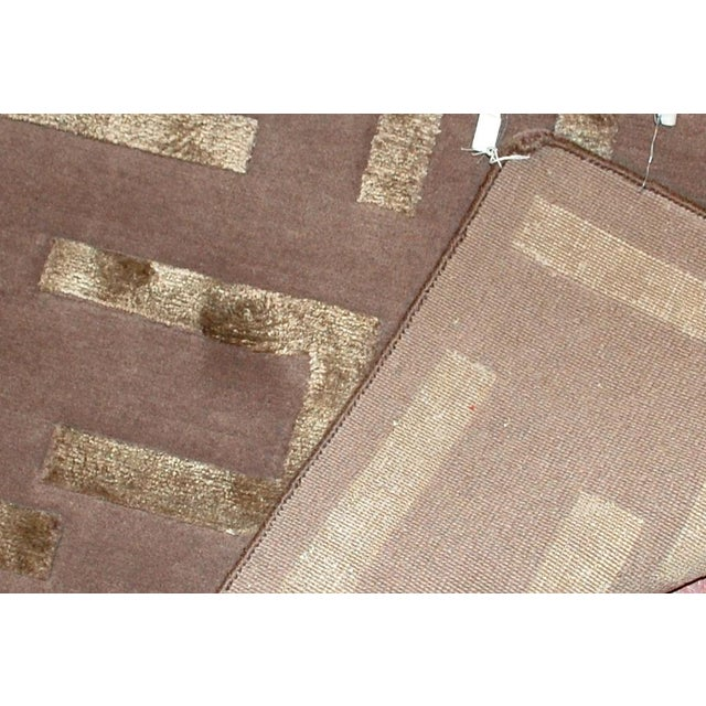 Indian Modern Silk Highlighted Rug- 3' x 5' - Image 7 of 9