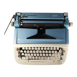Royal Safari Typewriter