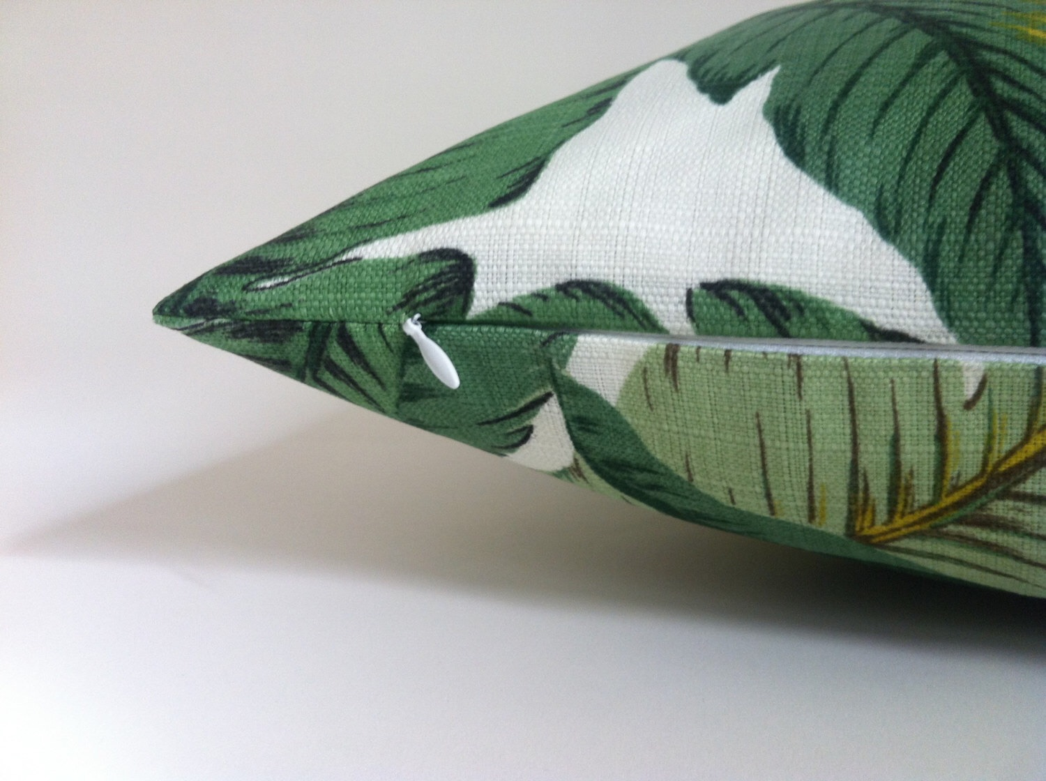 HGOD DESIGNS Banana Leaf Decorative Throw Pillow Cover Case,Watercolor Banana Leaves Cotton Linen Outdoor Pillow cases Square St. Sold by FastMedia. $ Panda Superstore Cute Cartoon Cotton Carpet Non-slip Mat Banana Leaf Door Mat (40 By 60cm) YELLOW. Sold by Blancho Bedding.