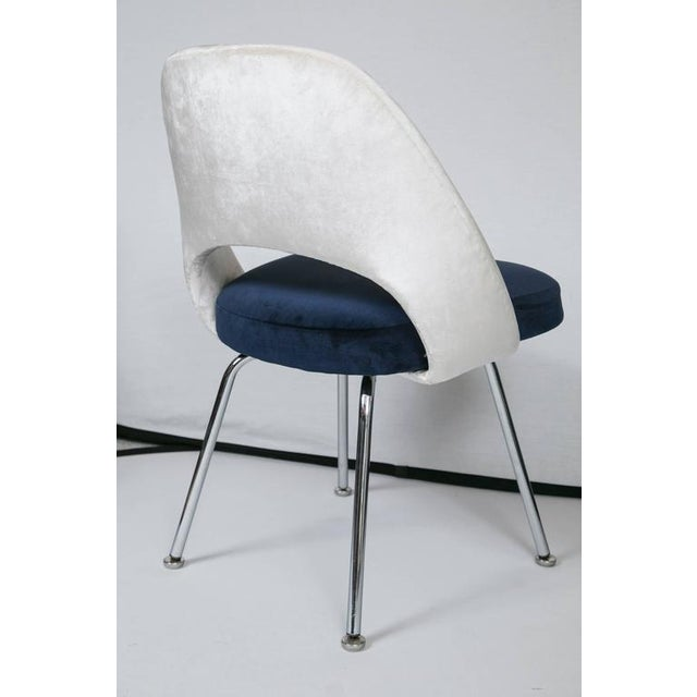Saarinen Executive Armless Chairs in Ivory/Navy Velvet, Set of Six - Image 10 of 10