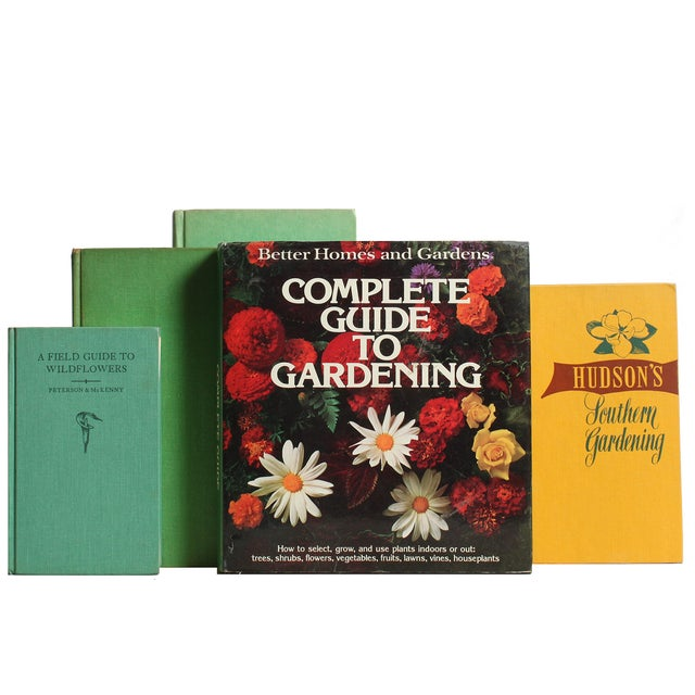 Image of Green & Tan Gardening Library - S/15