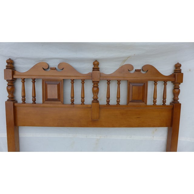 Image of Cottage Style Drexel Haritage Queen Size Headboard
