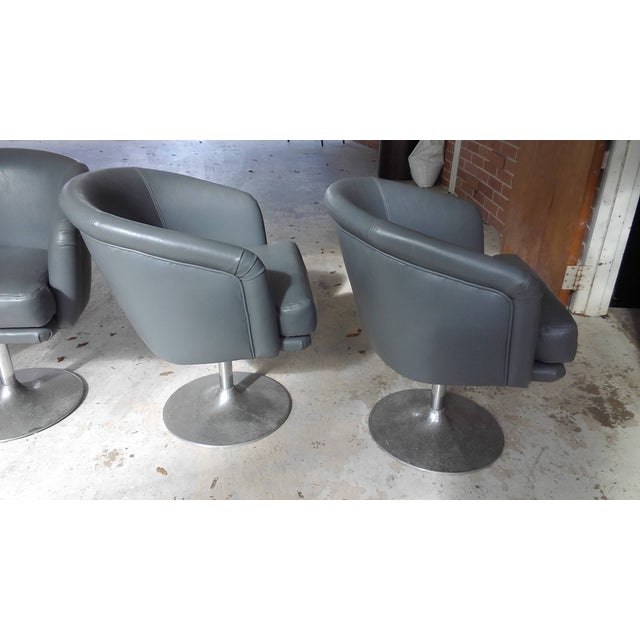 Mid century modern swivel chairs with aluminum feet set of 4 chairish - Swivel feet for chairs ...