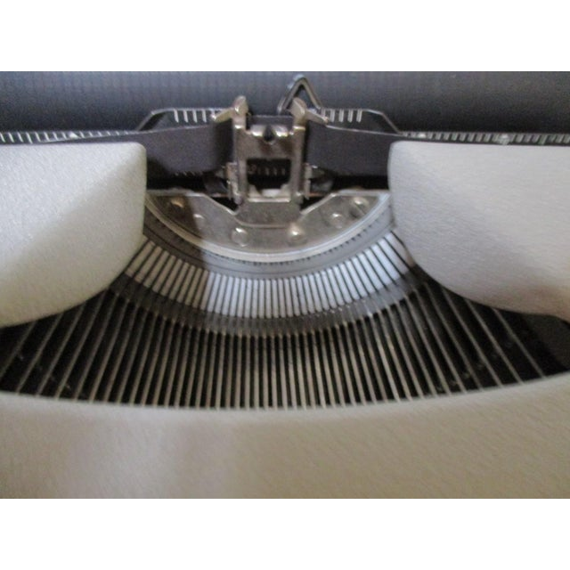 Vintage Remington Typewriter With Case - Image 9 of 9