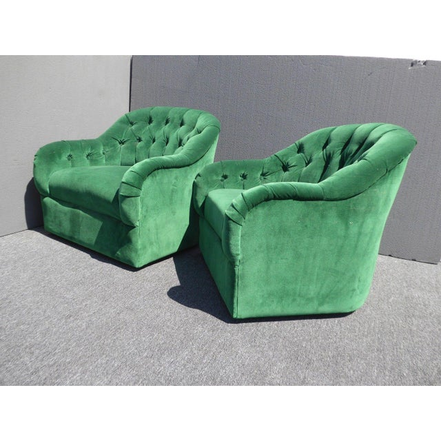 Vintage Pair of Mid Century Modern Tufted Green Velvet Swivel Club Chairs - Image 5 of 11