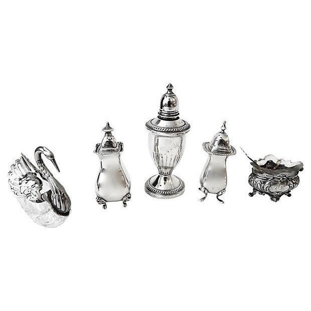 Salt & Pepper Shakers & Containers - 5 Pieces - Image 5 of 6