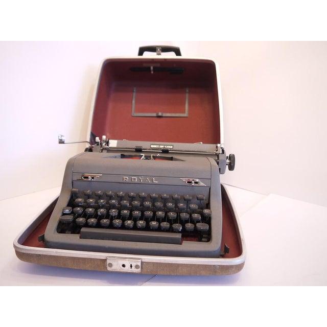 Vintage Royal Quiet Deluxe Typewriter - Image 3 of 9