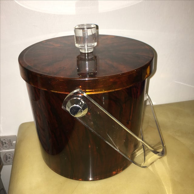 Mid-Century Modern Vintage Faux Tortoiseshell Ice Bucket with Lucite Handle - Image 4 of 7