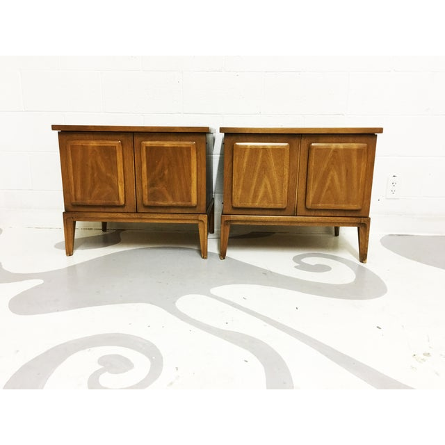 Broyhil Mid-Century Walnut End Tables - A Pair - Image 5 of 7