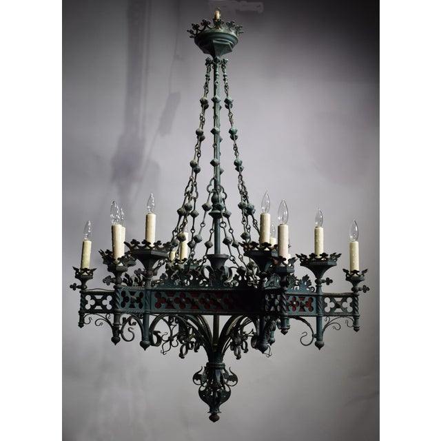 Antique chandelier, Gothic Revival period - Image 2 of 8 - Exquisite Antique Chandelier, Gothic Revival Period DECASO