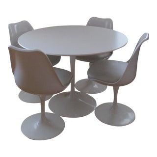 Saarinen Dining Set - Set of 5